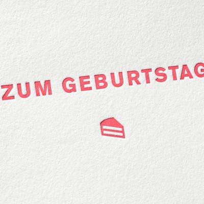 paul-dieter-letterpress_grusskarten_klappkarten_GK00018_zum-geburtstag_geschenk_gutschein_kuchen_rot_zoom