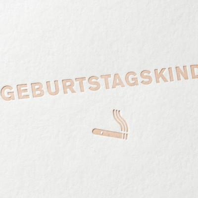 paul-dieter-letterpress_grusskarten_klappkarten_GK00024_geburtstagskind_erwachsen_zigarre_jubilaeum_geburtstag_zoom