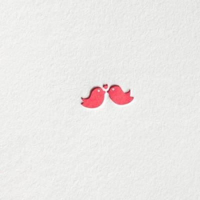 paul-dieter-letterpress_grusskarten_klappkarten_GK00049_kuessende-voegel_vogel_kuss_liebe_herz_ich-liebe-dich_love_zoom