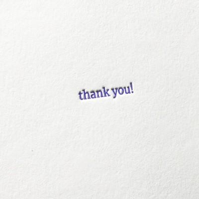 paul-dieter-letterpress_grusskarten_klappkarten_GK00052_thank-you_courier_schreibmaschine_typo_zoom