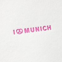 paul-dieter-letterpress_grusskarten_klappkarten_GK00057_i-love-munich_muenchen_bayern_breze_brezl_oktoberfest_zoom